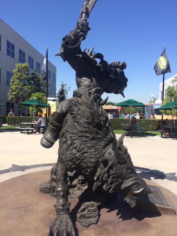 blizz-hq-statue